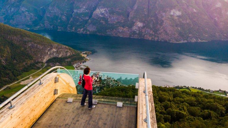 Флом - приказното кътче от рая, застрашено от набезите на туристите