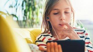 Колко са вредни социалните медии за тийнейджърите