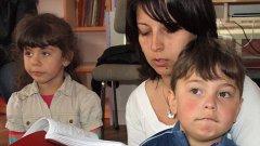 Четенето на приказки е по-доброто занимание за децата в предучилищна възраст от това да ги гледаш по телевизията