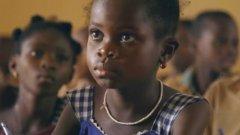 Nestle построи 40 училища в подкрепа на образованието на 10 000 деца, които за първи път имат възможността да видят света извън домовете си и да работят каквото поискат.