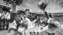 Сюзън Мичъл е жената, която промени представите за мажоретките и американския футбол, като цяло