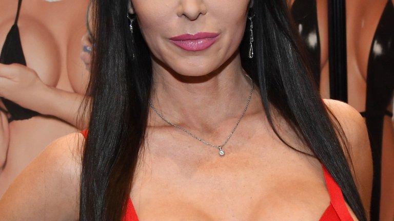 Почина порноактрисата Джесика Джеймс