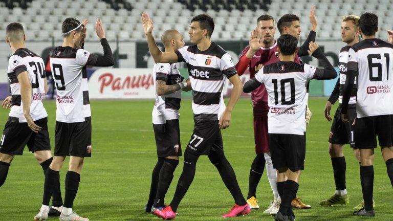 Локомотив нанесе втора загуба на Лудогорец в петголов трилър (видео)