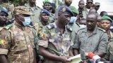 Международно осъждане и заплаха от джихадисти - основните проблеми пред метежниците