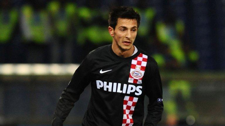 И другият българин Станислав Манолев отпадна от борбата, след като неговият ПСВ завърши 1:1 с Валенсия