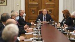 Глоби за неспазване на мерките ще има от 25 октомври, стана ясно на срещата при президента