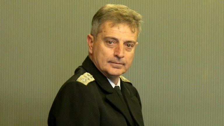 """Адмирал Емил Ефтимов е новият """"Началник на отбраната"""" на България"""