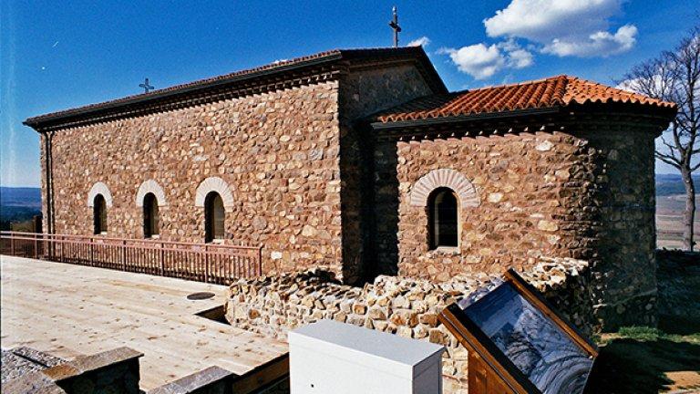 """Реконструкция на църквата от XV век """"Възнесение Христово"""" от XV"""