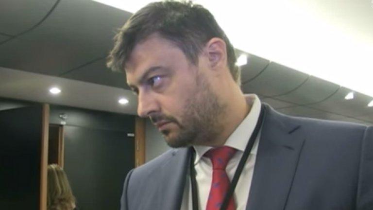 Николай Бареков изуми журналистите от EU Reporter с уменията си по английски