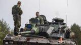 Швеция увеличава размера на армията си заради напрежението с Русия