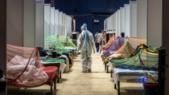 Крематориумите изнемогват, докато регионалната криза там е на път да стане глобален проблем