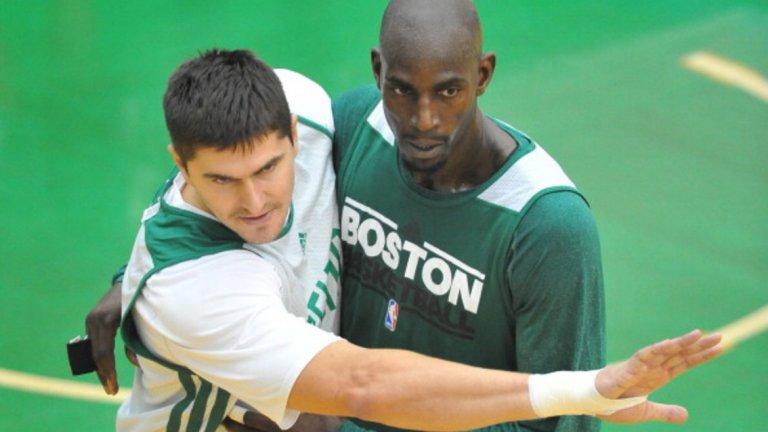 Баскетболът никога не е бил негова страст - посочва като свой любимец Кевин Гарнет, но го е гледал едва няколко пъти. После двамата играха заедно в Бостън, което бе последната стъпка в първата кариера на сърбина.