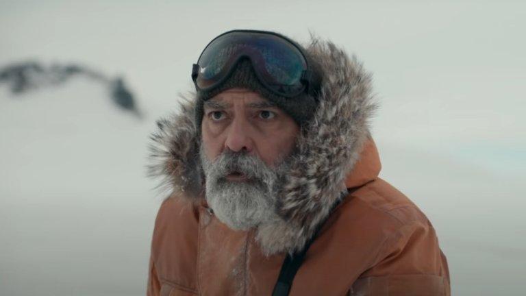 The Midnight Sky Къде: Netflix Кога: 23 декември  Научнофантастичният филм е режисиран от Джордж Клуни, който е и в главната роля. В центъра му е Огъстин (Клуни) - самотен учен на Антарктида в един постапокалиптичен свят. Мистериозна катастрофа е засегнала Земята и той трябва да направи така, че Съли (Фелисити Джоунс) и другите астронавти от екипа ѝ да не се връщат на планетата.