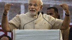 """Премиерът на Индия Нарендра Моди ще бъде награден от Фондация """"Бил и Мелинда Гейтс"""" за проекта """"Чиста Индия"""". Но подобни награди са спорни с оглед на това дали проекти като този наистина са ефективни и каква е останалата част от политиката на лидери като него."""