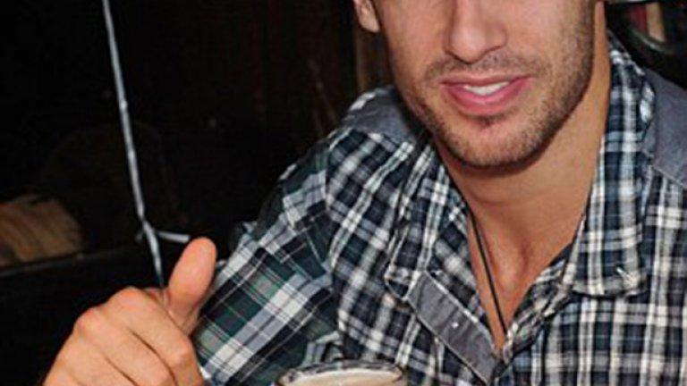 Хави Мартинес заложи на жива бира, но в по-малка халба - едва половинлитрова.