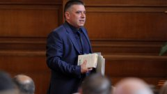 """Правосъдният министър Данаил Кирилов обяви за свой приоритет """"установяването на режим за предсрочно прекратяване на пълномощията"""" на главния прокурор и двамата ръководители на Върховни съдилища"""