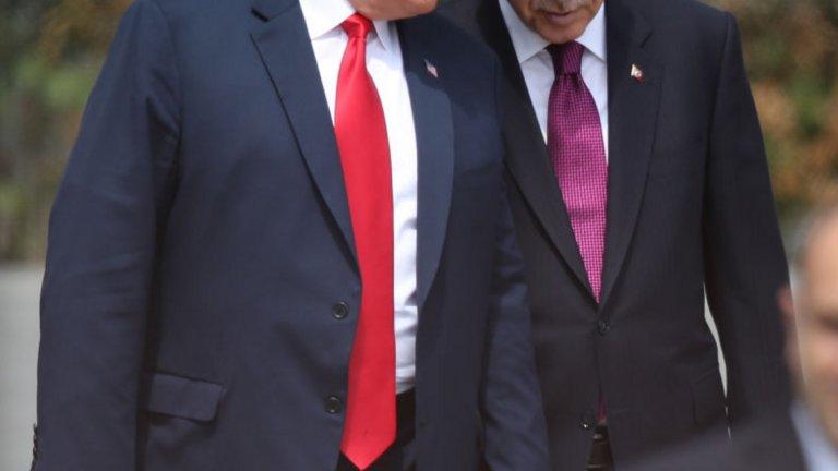 """Защо президентът слуша сляпо """"силните на деня""""?"""
