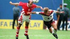 1994 г. Четвъртфинал България - Германия, който никога няма да забравим. Йордан Лечков приспива немците с победния гол за 2:1, въпреки отчаяния опит на Томас Хеслер да го спре.