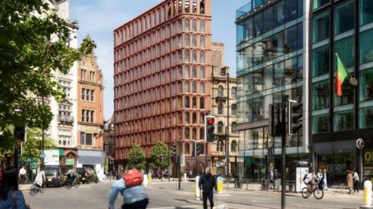 Хотелът на Роналдо в Манчестър: Суперлукс със 151 стаи и панорамен бар