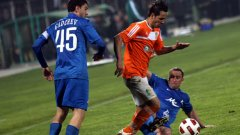 Литекс стигна до полуфинал в турнира за Купата на България след като бе по-точен при дузпите от Левски
