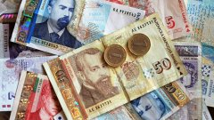 """Fibank вече даде възможност за отлагане на плащания на кредити, а правителството обяви мерки, които да помогнат на другите банки и да им позволят повече """"гъвкавост""""."""