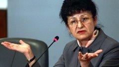 Здравната министърка предпочете първо да реже от парите за здравеопазване, каквото оцелее - да реформира/реанимира