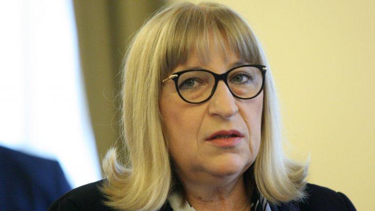Правосъдният министър сама е поискала да напусне кабинета в разговор с премиера Бойко Борисов.