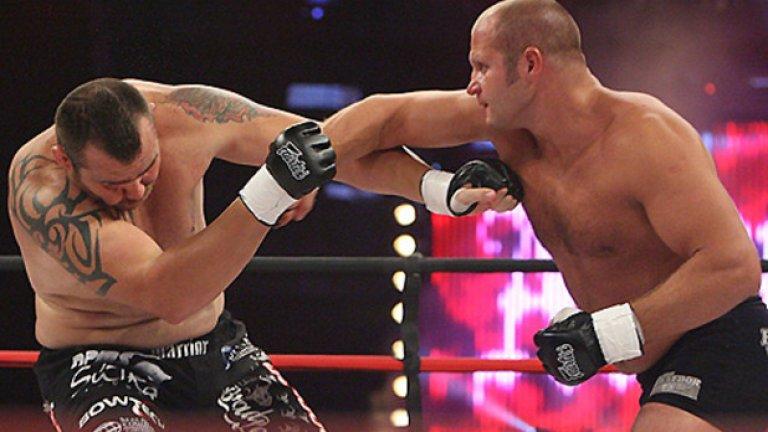 Емеляненко е трикратен световен шампион по бойно самбо и с велика кариера в ММА, но може и да не продължи след тази загуба