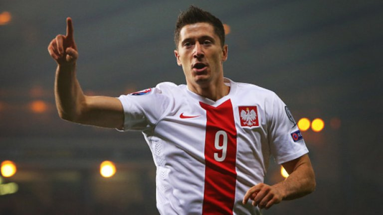 """Левандовски бе една от големите звезди на евроквалификациите и заслужено намери място в символичния отбор. Вижте кои са """"съотборниците"""" му..."""