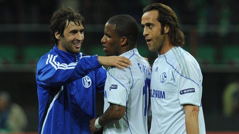 Раул игра за Шалке от 2010 до 2012 година. Сега той води Кастилия, втория отбор на Реал Мадрид.