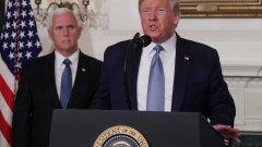 Американският президент обвини интернет, видеоигрите и обърка името на един от градовете, в които през уикенда имаше масова стрелба.