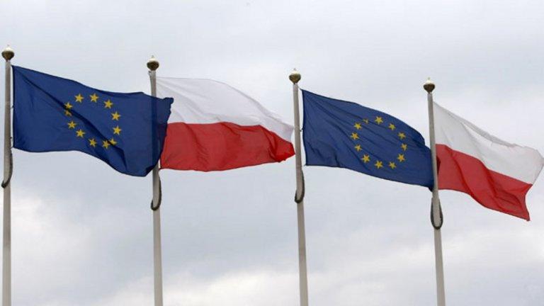 Всяка държава сама е отговорна за съдилищата си, припомня Варшава