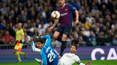 Ракитич получава все по-малко игрово време в Барселона.