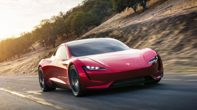 Tesla RoadsterФеновете на Tesla вече очакват с нетърпение второто поколение на Tesla Roadster, което е предвидено да е на пазара през 2022 г. То обещава да ускорява от 0 до 100 км/ч за 2 секунди и максимална скорост от над 400 км/ч. Двувратият спортен автомобил се предвижда да се фука с 990 километра пробег с едно зареждане. На обявена цена от 200 хил. долара е любопитно да се види дали Roadster ще отговаря на представянето си.