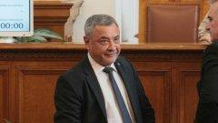 Цацаров беше изслушан от депутатите на НФСБ, след като бе номиниран за поста от управляващата коалиция - решение, което не било обсъдено с Валери Симеонов