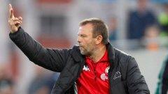 Стойчо Младенов има една загуба в мач - финал за титла в Разград. ЦСКА имаше нужда от реми през 2012-а, но падна с 0:1 и загуби златото. Сега му трябва само победа, за да остане в играта.