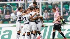 """""""Лациалите"""" са затрупали бразилския защитник Андре Диаш, който отбеляза победния гол срещу Палермо"""