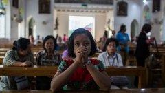 """""""Великденски поклоници"""" само крие един прост факт - все още на много места по света спрямо християните има преследване и насилие"""