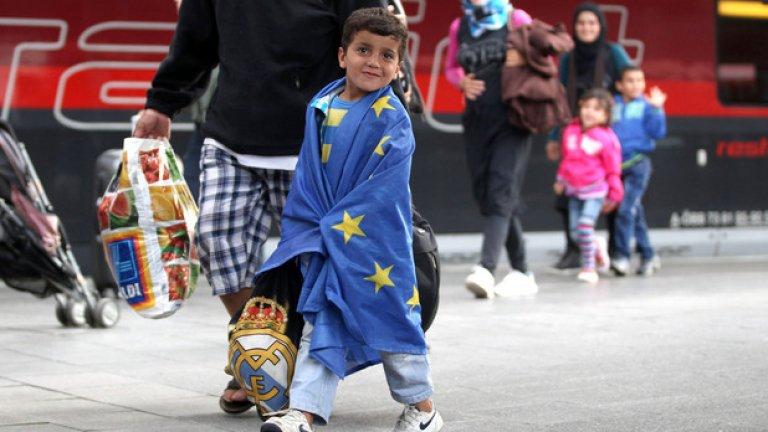 Проблем с мигрантите все още има, колкото и европейските лидери да предпочитат да се правят, че не съществува. А с това си поведение не правят услуга на никого.