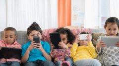 """Вече се преситихме - и жадуваме да се """"изключим"""". А какво да кажат онези, които не помнят изобщо """"живота преди смартфона""""?"""