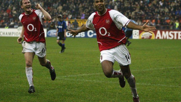 По време на сезон 2003/04 Арсенал не вкара гол само в четири случая. Нулевите равенства с Бирмингам, Нюкасъл, Фулъм и Манчестър Юнайтед.