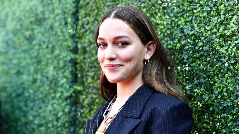 6 факта за актрисата от The Haunting of Bly Manor и You, които може би не знаете