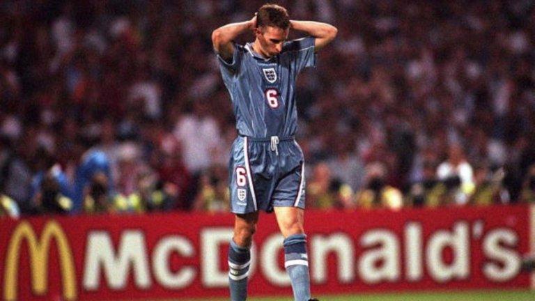 Загуба с 5:6 (1:1 в редовното време) от Германия на полуфинал на Евро 1996. Гарет Саутгейт бе грешникът за Англия.