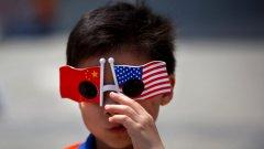 За ден или месец-два китайски фирми наемат бледолики под наем - в името на престижа и имиджа си