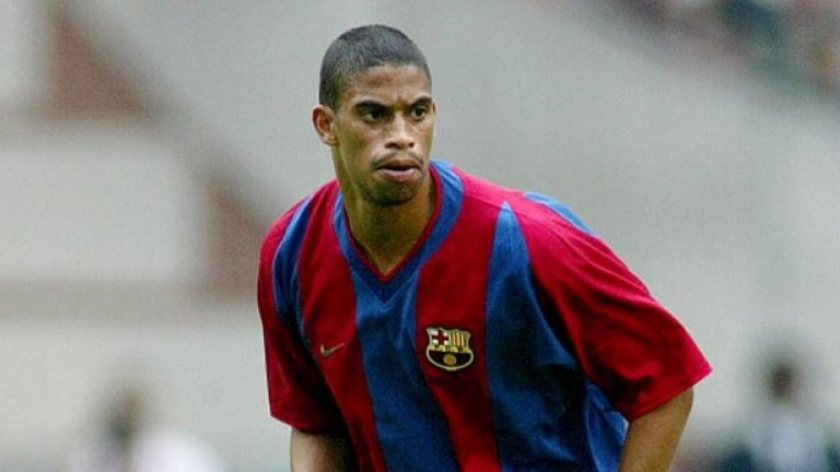Микаел Райцигер (Холандия). 7 години (юли 1997 - юли 2004). 253 мача.