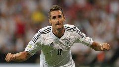 Клозе е рекордьор по попадения на световни първенства с 16, както и водещ реализатор на Германия за всички времена със 71 гола.