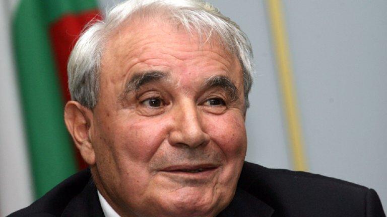 В разгара на втория си мандат като шеф на Комисията за установяване на имущество, придобито от престъпна дейност, Стоян Кушлев беше най-сетне уволнен...