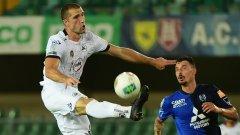 Специя загуби с 0:1 домакинството си на Фрозиноне, но така общият резултат от двата мача стана 1:1, а заради по-високото си класиране в редновния сезон, промоцията бе за отбора на Гълъбинов.