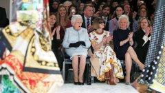 Елизабет II навършва 90 години, но без да остарява