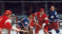 """Чехословакия побеждава агресорите от СССР два пъти на Световното първенство по хокей пре 1969 г., но въпреки това """"Сборная"""" взима титлата"""